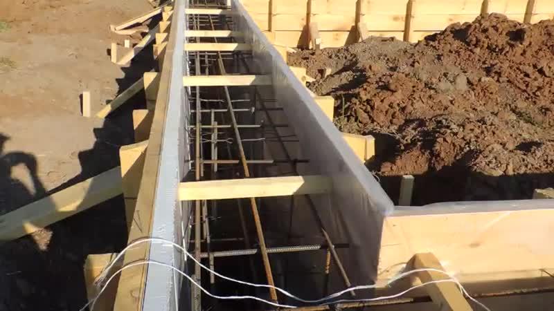 Ленточно свайный фундамент готов к заливке (480p).mp4
