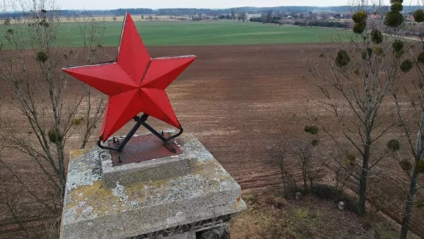 В польском Лешно снесли памятник благодарности Красной армии