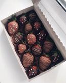 Никто не пройдёт мимо нашей клубничкой коробочки 🔥    Ароматная свежая клубника в бельгийском шокола
