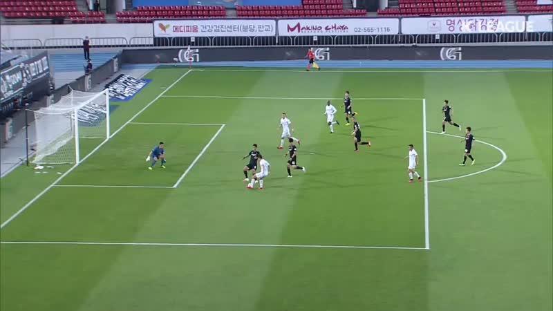 Гол и передача Станислава Ильюченко в матче 10-го тура чемпионата Южной Кореи против «Соннама» (40)