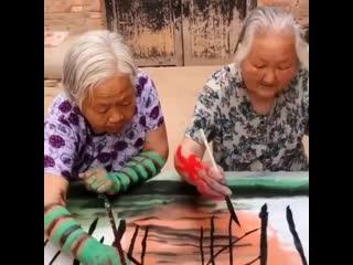 Женские Хитрости () Искусcтво в четыре руки. Молoдцы бaбули!