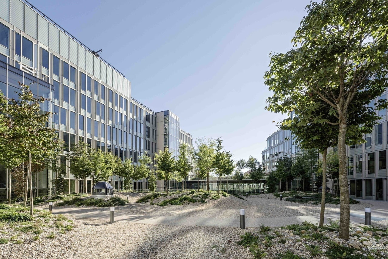 Headquarter Veolia by Dietmar Feichtinger Architectes