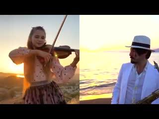 "Street musican / Уличные музыканты / ""Super DANCE MONKEY"" - Daniele Vitale Sax & Karolina Protsenko Violin"