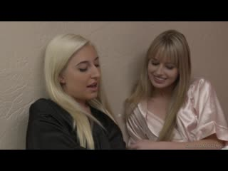 Xandra Sixx and Scarlett Sage [Lesbian]