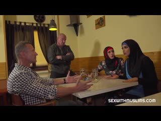 SexWithMuslims - Brittany Bardot & Chloe Lamour - Muslim woman spread her legs for id's