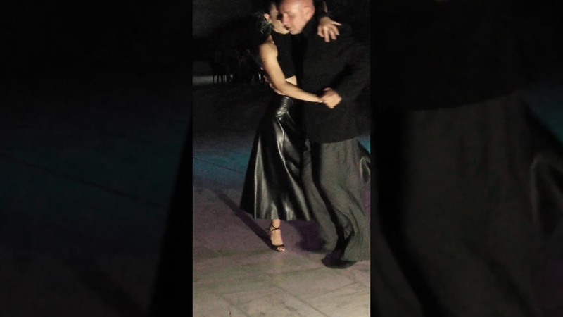 Танго Канженге Βικη Δαμιανου και Δημήτρης Λουκακης χορεύουν canyengue