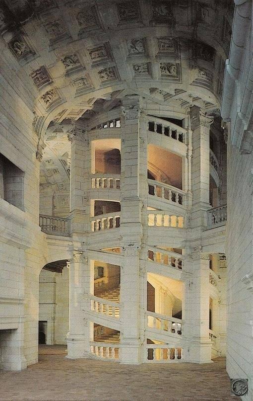 Лестница Леонардо да Винчи в Замке Шамбор