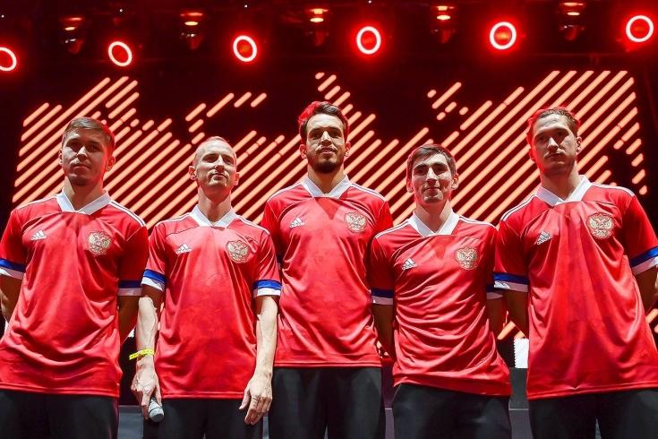 Почему сборной России сшили странную форму. И что с этим можно сделать