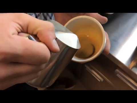 Распаковка кофемашины Casadio Undici A 2 дерево