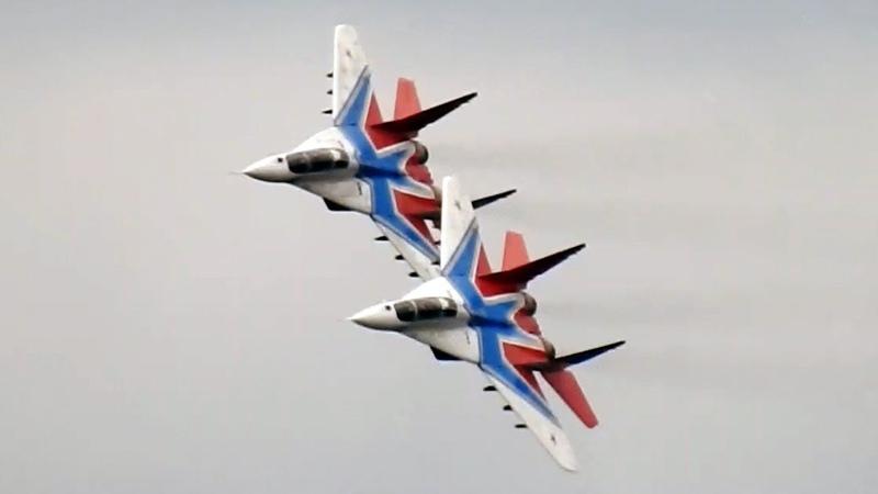 Пилотажная группа Стрижи на Армия 2017| Кубинка| Взлет| Посадка | Высший пилотаж.