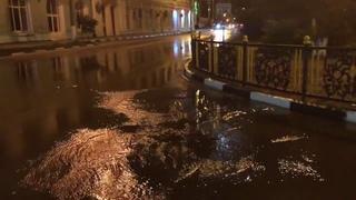Потоп возле администрации Керчи 1