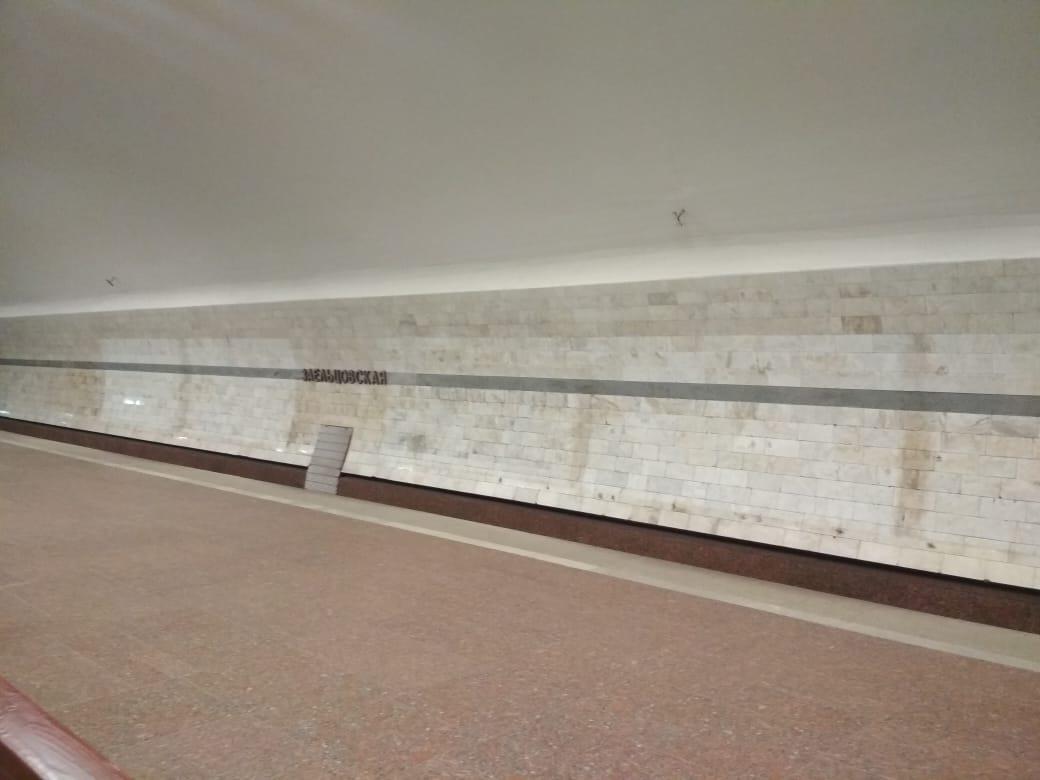 фото Коронавирус убивает рынок наружной рекламы: баннеры исчезли с улиц и метро Новосибирска 2