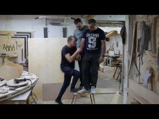 Тест деревянного стула нагрузка 250кг.