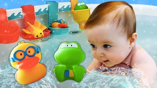 Ich heiße Bianca. Baby Bianca spielt mit ihren Spielsachen. Video für Kinder - 2 Folgen am Stück