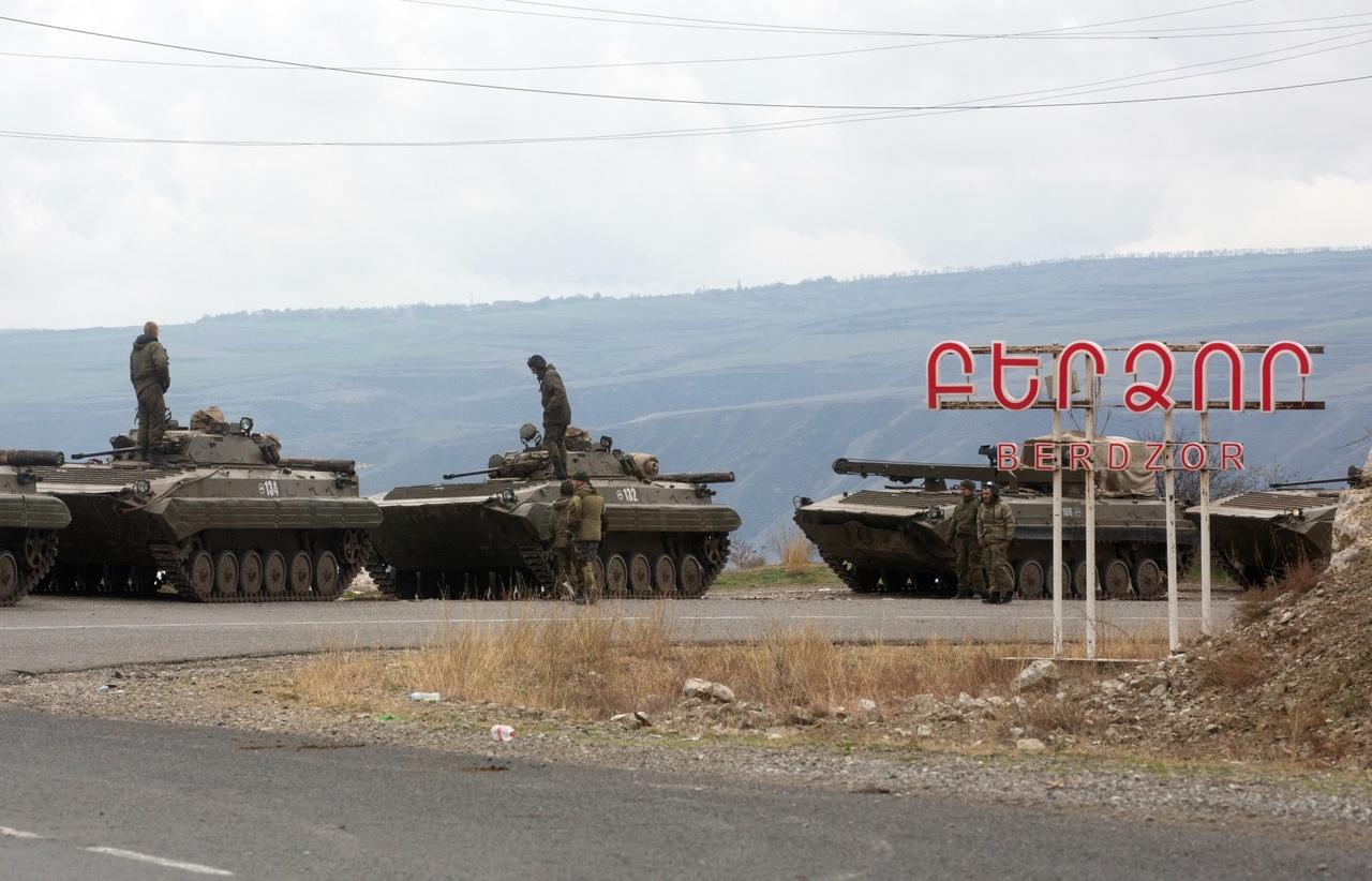 Украинские аналитики истерят. Российские миротворцы в НКО заставили их сильно нервничать…