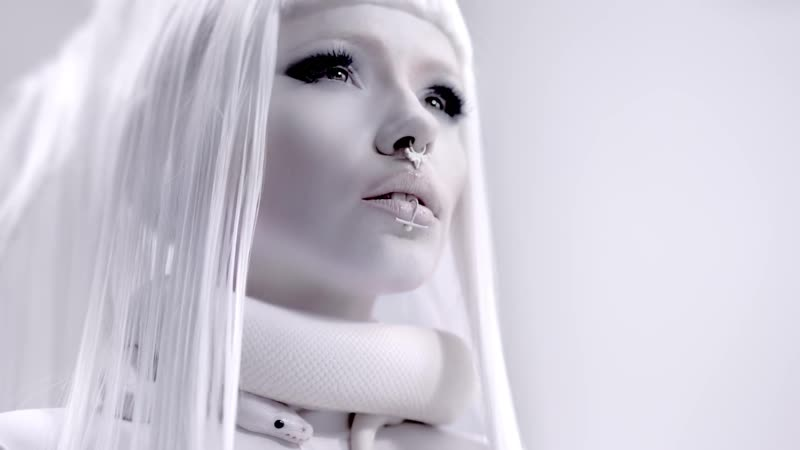 KERLI - SAVAGES (official music video)