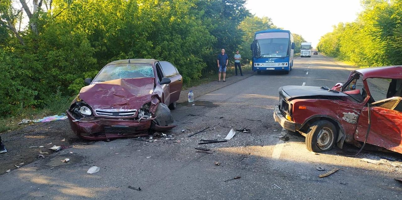 При столкновении двух авто травмированы три человека