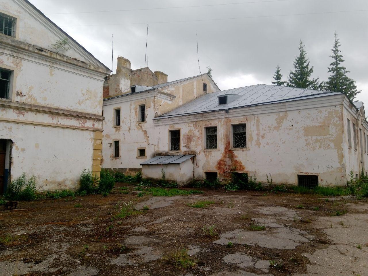 «Комплекс зданий тюрьмы 1883 года» в Старой Руссе