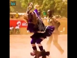 Так вот это танец  лезгинки, одна школа!