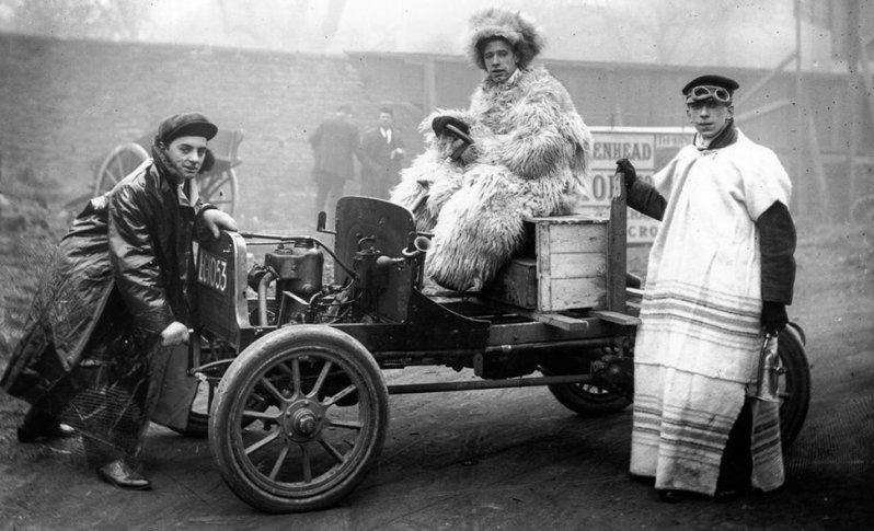 Как 115 лет назад в Вятке появился первый автомобиль., изображение №1