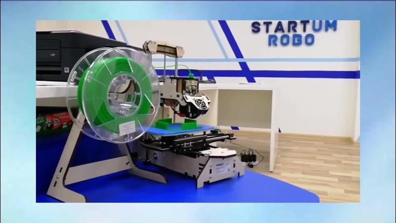 Наш 3D принтеp печатает деталь для будущего робота