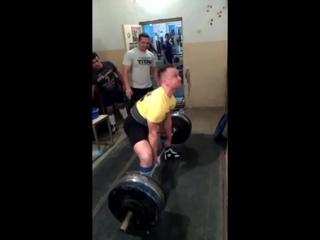 Удовенко Николай тяга 207.5 кг на 2 раза до 90 кг