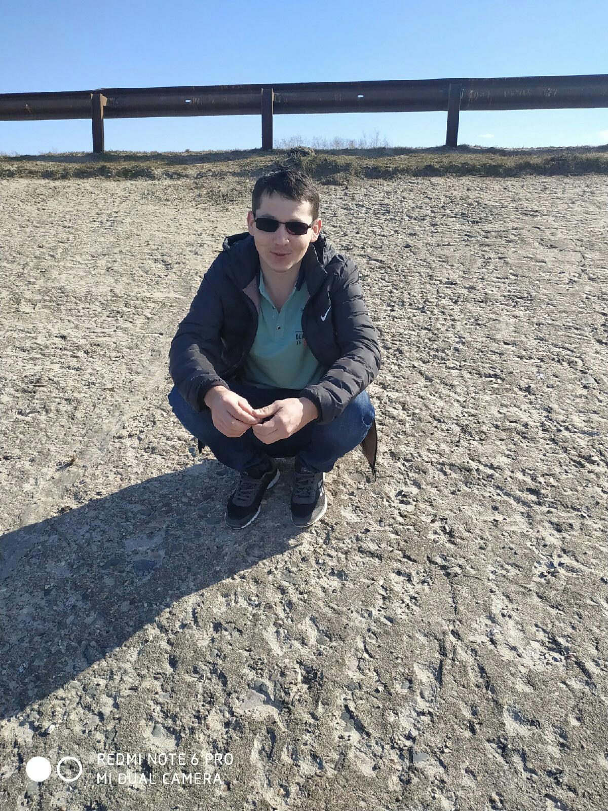 Илья, 28, Sernur