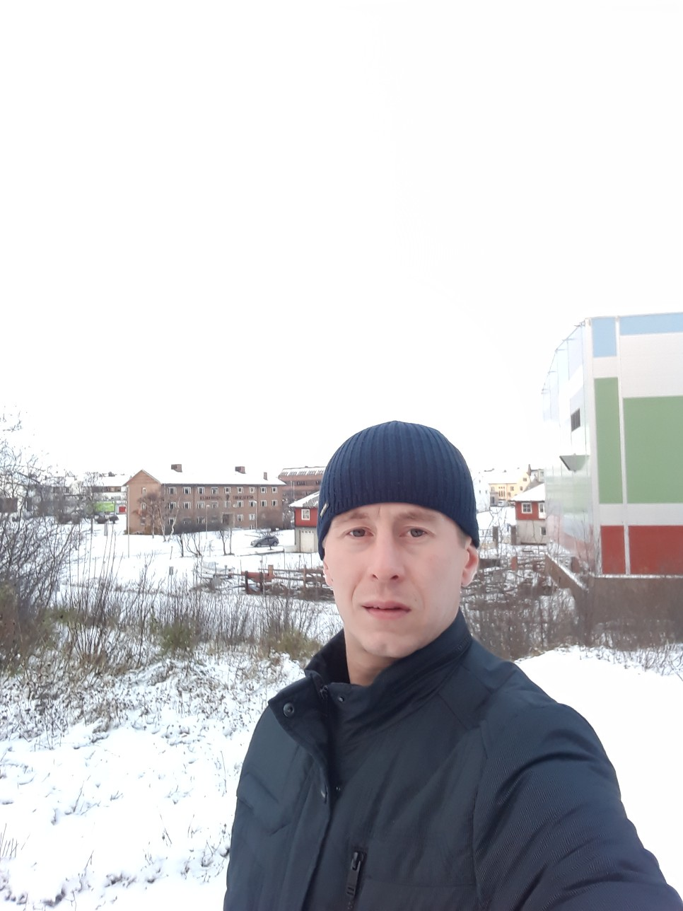 What is who&, 35, Murmansk