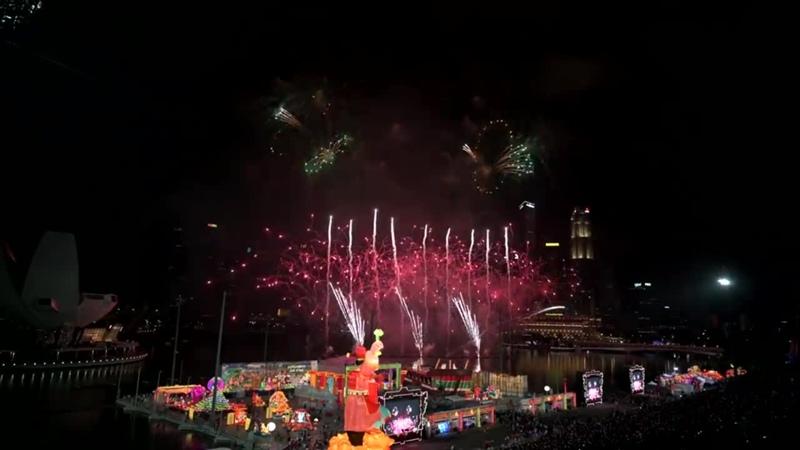 River Hongbao 2019 春到河畔 2019 Chinese New Years Eve Fireworks