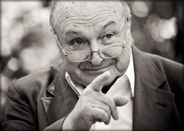 Жванецкий о нынешней России Всё, кончилось золотое время, в стране всё за деньги... В платных туалетах посетители, у которых запор, требуют вернуть деньги обратно, и суды их поддерживают. По