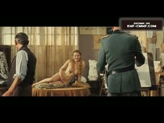 Исторический OON, CMNF с голой арт-моделью в отрывке из французского фильма