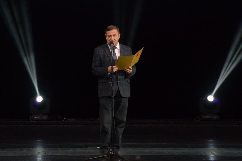 Председатель Комитета по культуре Санкт‑Петербурга К.Э.Сухенко открывает фестиваль «Виват кино России!»