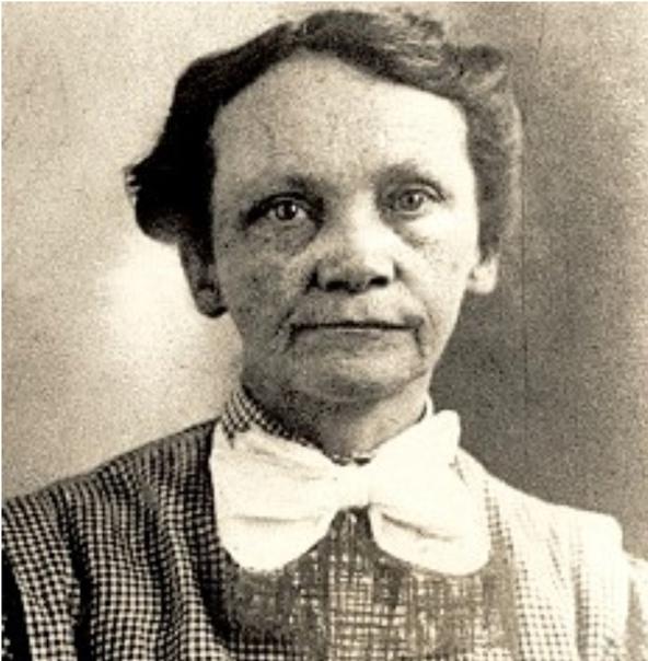 Эми Дагган Арчер-Гиллиган Владелица дома престарелых, убивавшая своих постояльцев. Всего за несколько лет отправила на тот свет, по разным данным до шестидесяти человек. Дом престарелых Эми