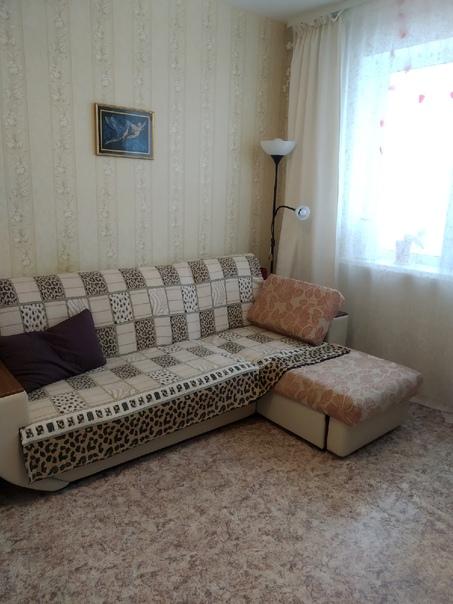 Продам угловой диван.б/у 5 лет.состояние хорошее,т...