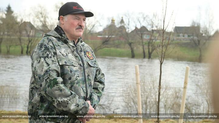 Лукашенко анонсировал «принципиальное» решение. Какое— неизвестно, но«уних ничего неполучится»
