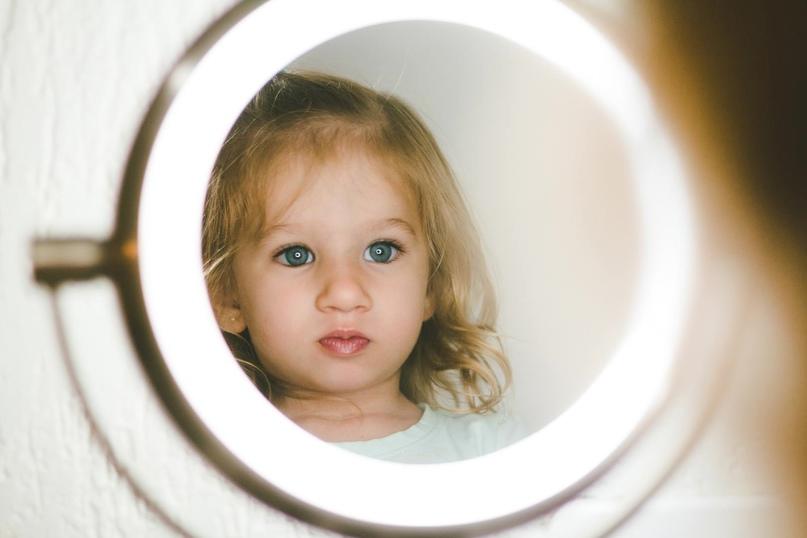Зеркала и дети: правила безопасности, изображение №1