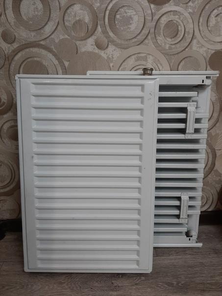 Продам два стальных радиатора 600×400 мм.  По 1000...