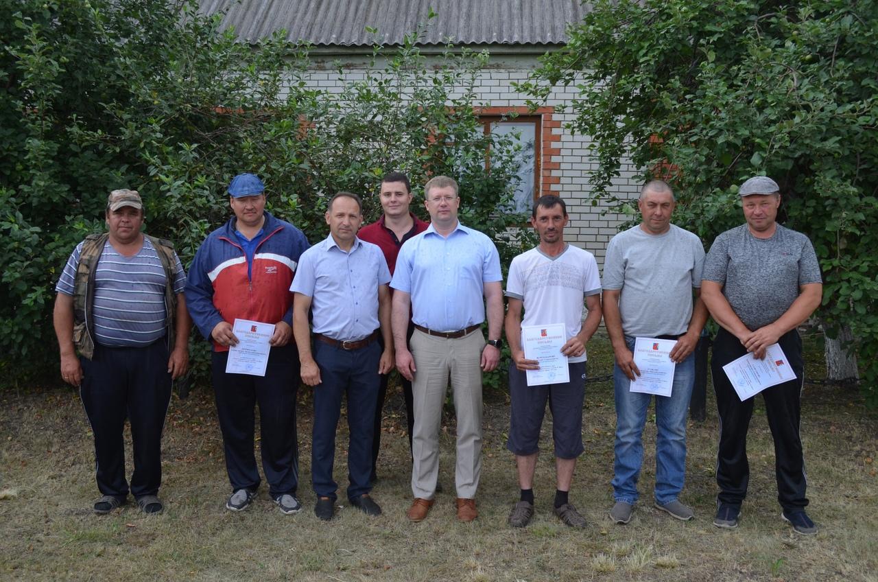 В Петровском районе продолжают чествовать хлеборобов