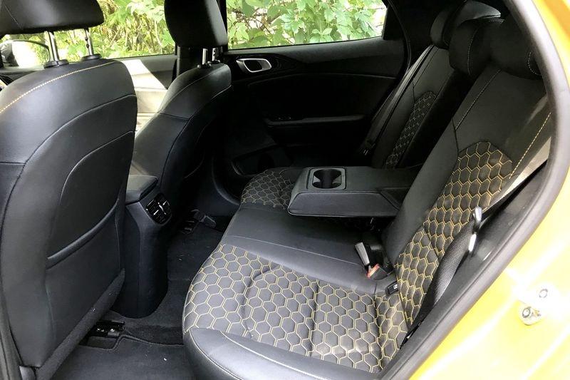 Kia XCeed: стоит ли отдавать 2 млн рублей за стильный кроссовер, изображение №23
