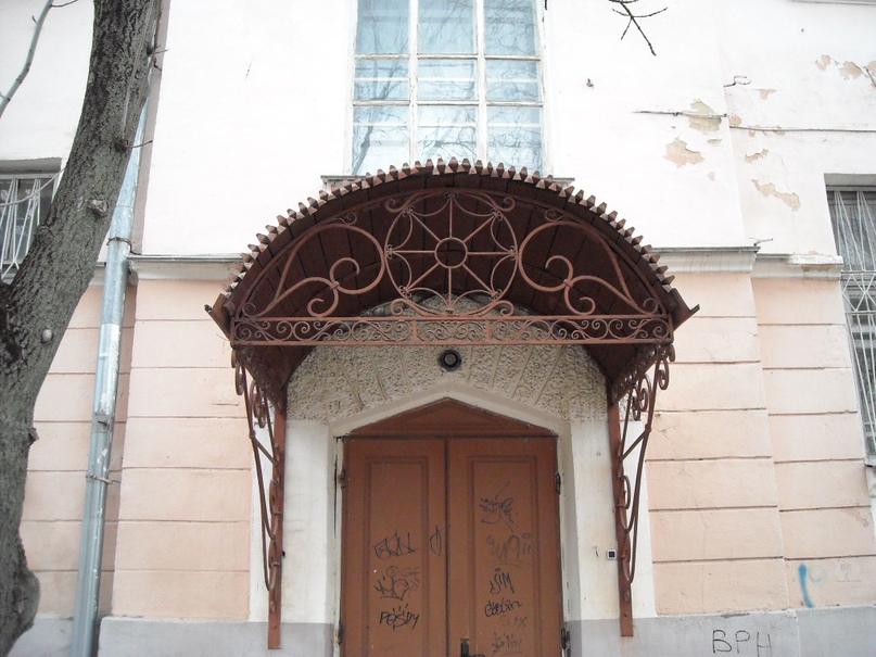 «Дом ротмистра Могилевцева» на улице Введенской, изображение №3