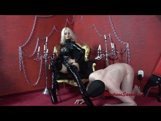 Mistress sarah - extreme boots ballbusting
