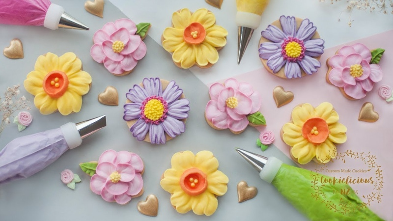 HOW TO PIPE ROYAL ICING TO MAKE 3 BEAUTIFUL FLOWER COOKIES ~ Camellia Daffodil Cosmos Flowers