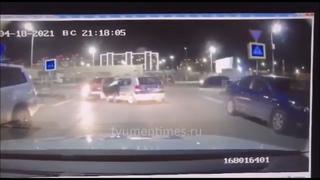 Полицейская погоня за пьяным водителей на Hyundai Getz. Тюмень