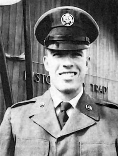 """Кaрлос Рэй """"Чак"""" Норрис во время службы в армии США. 1960-е."""