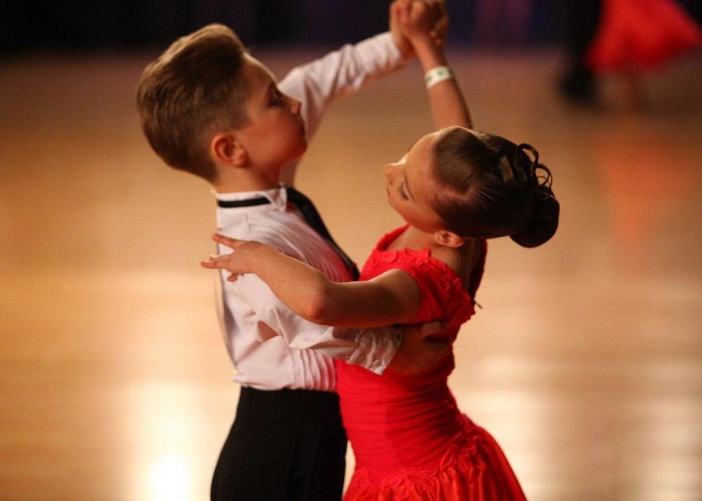 Листопад, картинки бальные танцы для детей