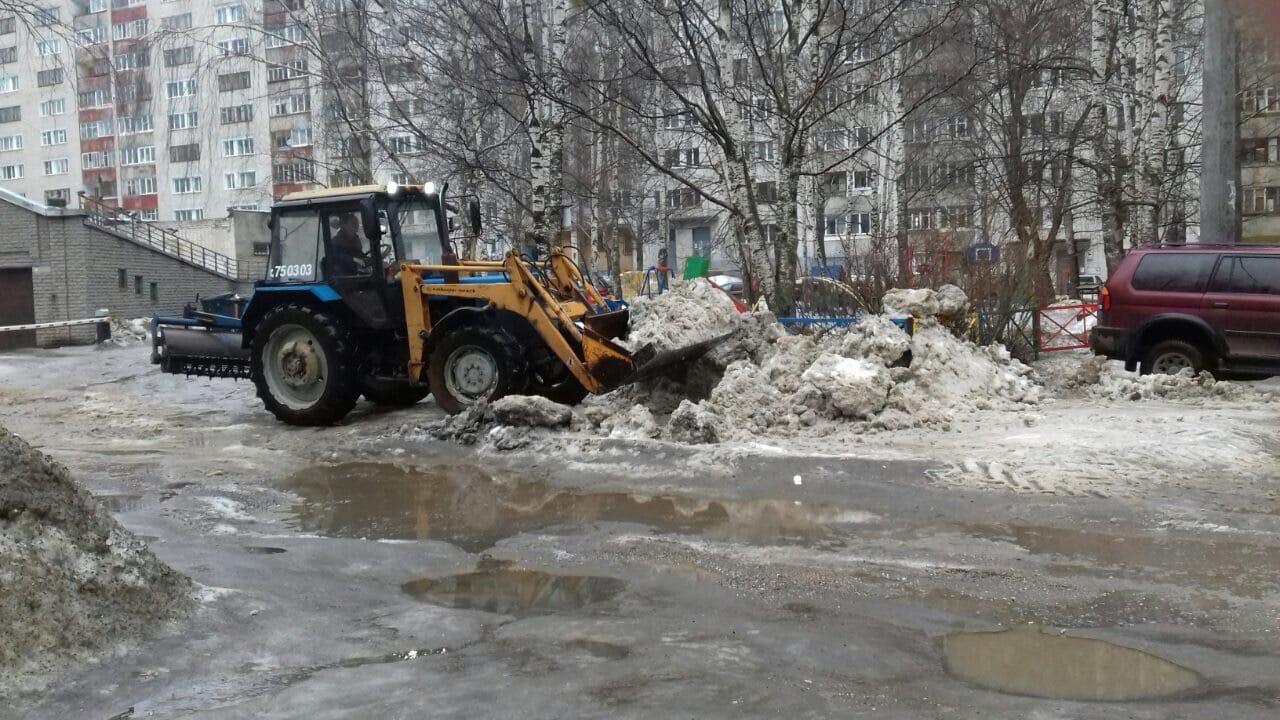 Улица Профсоюзная дом 78 чистка придомовой территории