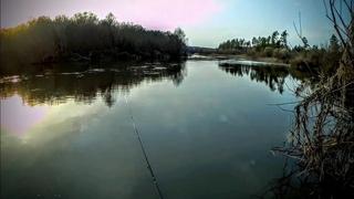 Рыбалка на донку 2021. В середине апреля на малой реке.