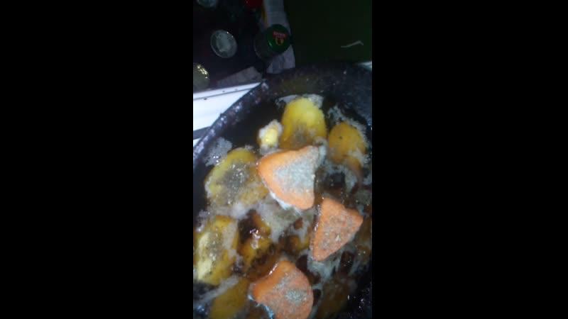 Жарим нагентцы с белым картофелем на подсолнечном масле