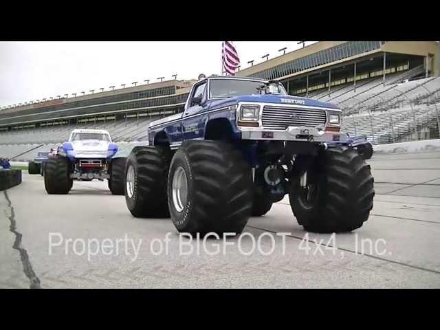 12 BIGFOOT Monster Trucks at the Summit Racing Motorama 2015 BIGFOOT 4x4 Inc.