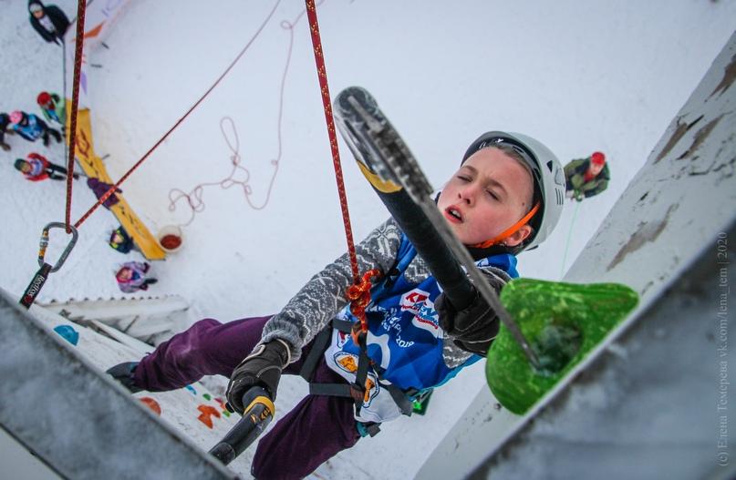 Главные отечественные ледолазные старты сезона финишировали в городе Кирове в минувшие выходные – чемпионат и первенство России по альпинизму. Всем было что доказывать и что терять…, изображение №112